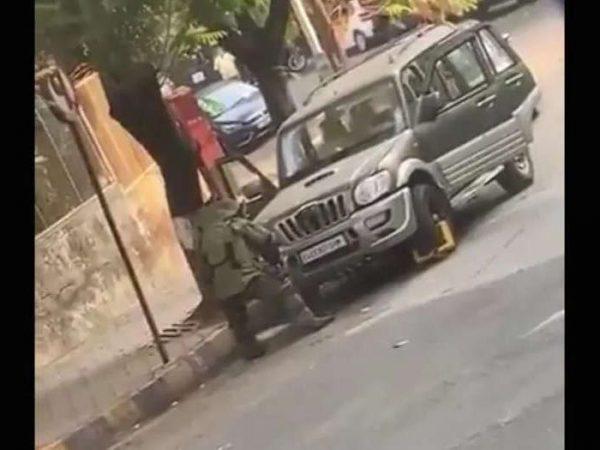 Car out of Ambani house